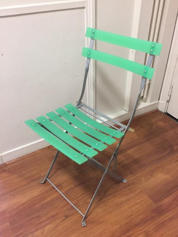 Recyclage, Récupe & Don d'objet : chaise extérieure