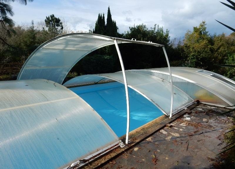 Recyclage, Récupe & Don d'objet : couverture rigide pour piscine 5x10m abrid...