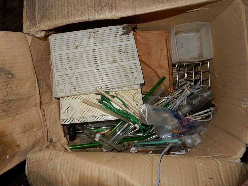 Recyclage, Récupe & Don d'objet : un carton de matériel aquariophilie aquarium