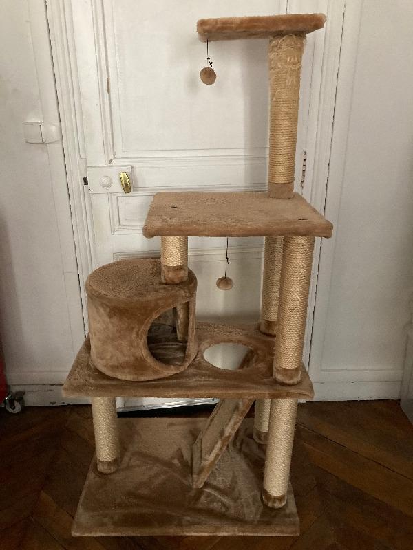 Recyclage, Récupe & Don d'objet : arbre à chat