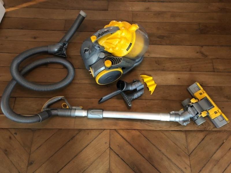 Recyclage, Récupe & Don d'objet : aspirateur tyson