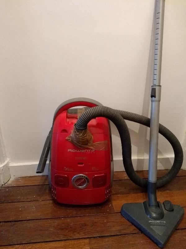 Recyclage, Récupe & Don d'objet : aspirateur rowenta artec 2 2200 watts