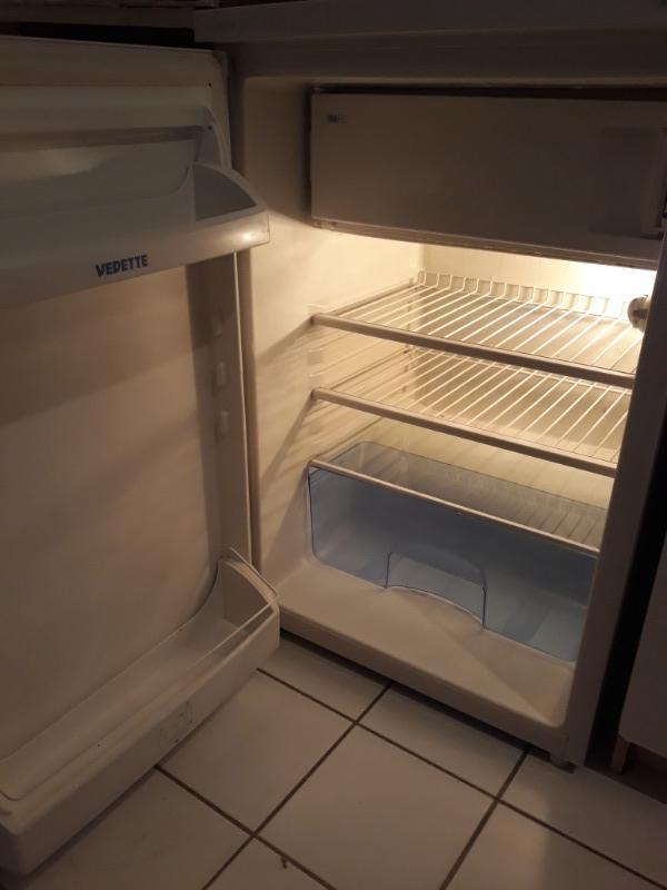 Recyclage, Récupe & Don d'objet : frigo vedette 85h53l55p avec compartiment ...