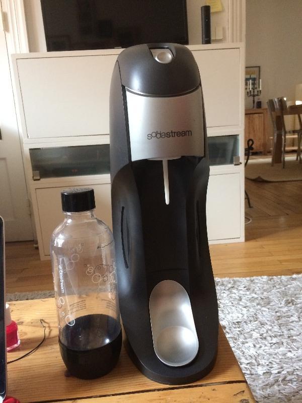 Recyclage, Récupe & Don d'objet : machine à faire de l'eau pétillante sodast...