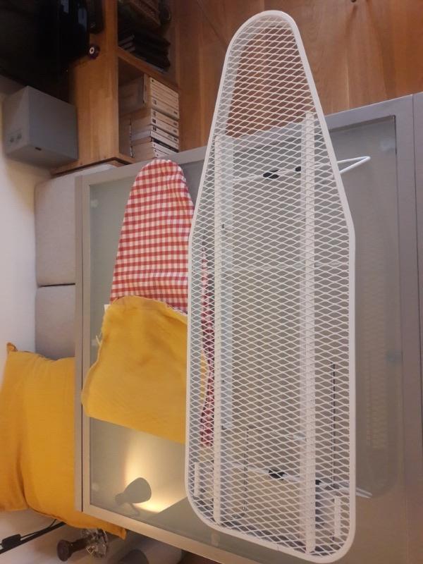 Recyclage, Récupe & Don d'objet : petite table à repasser