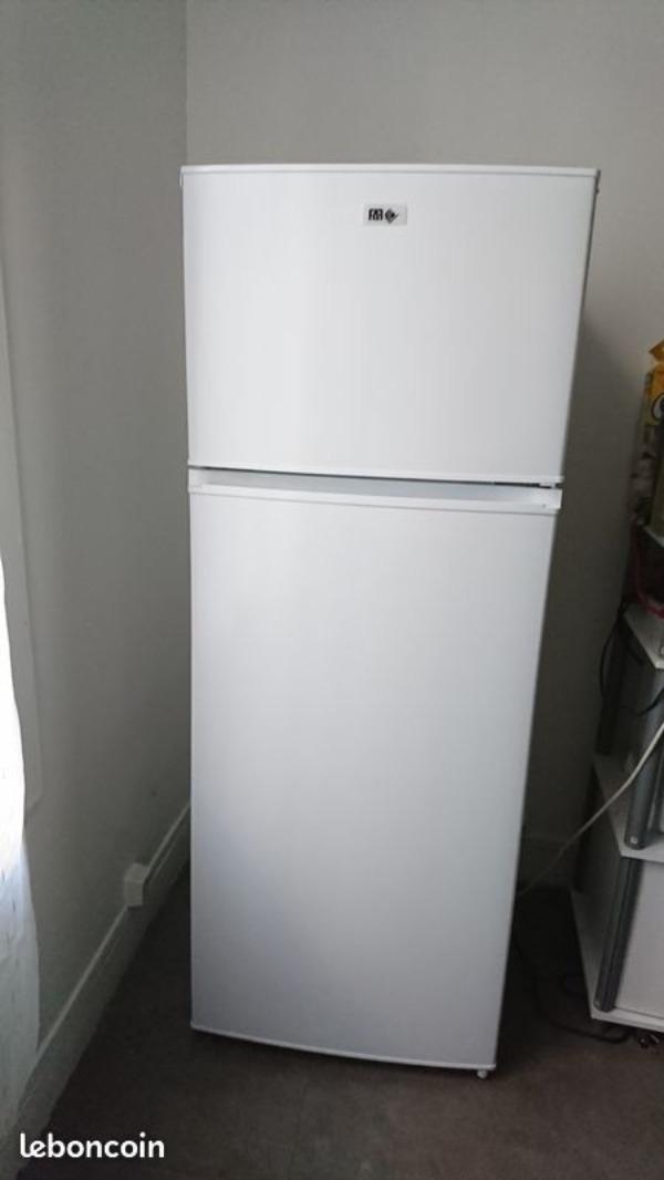 Recyclage, Récupe & Don d'objet : réfrigérateur de la marque far