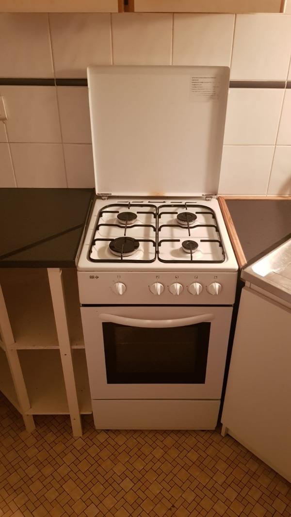 Recyclage, Récupe & Don d'objet : gaziniere 4 feux + four