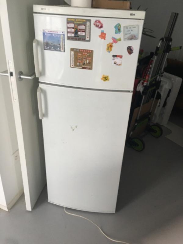 Recyclage, Récupe & Don d'objet : frigidaire blanc far