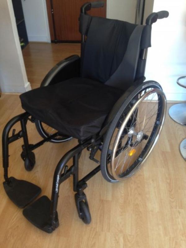 Recyclage, Récupe & Don d'objet : de fauteuil roulant de la marque küschall
