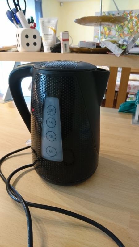 Recyclage, Récupe & Don d'objet : bouilloire électrique trisa 1,7 l