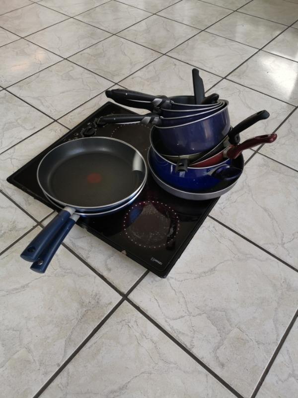 Recyclage, Récupe & Don d'objet : plaque 4 feux vitrocéramique et casserolle...