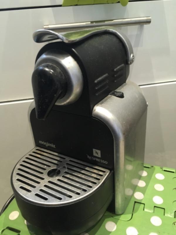 Recyclage, Récupe & Don d'objet : machine à café nespresso magimix