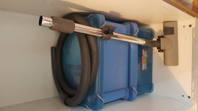Recyclage, Récupe & Don d'objet : brosse aspirateur et tube
