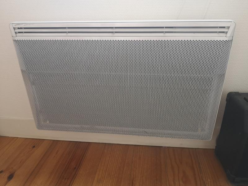 Recyclage, Récupe & Don d'objet : 2 radiateurs muraux 230v 1250w + 1 plus pe...