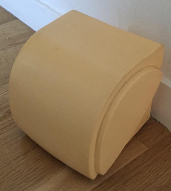 Recyclage, Récupe & Don d'objet : dévidoir de papier toilette écru