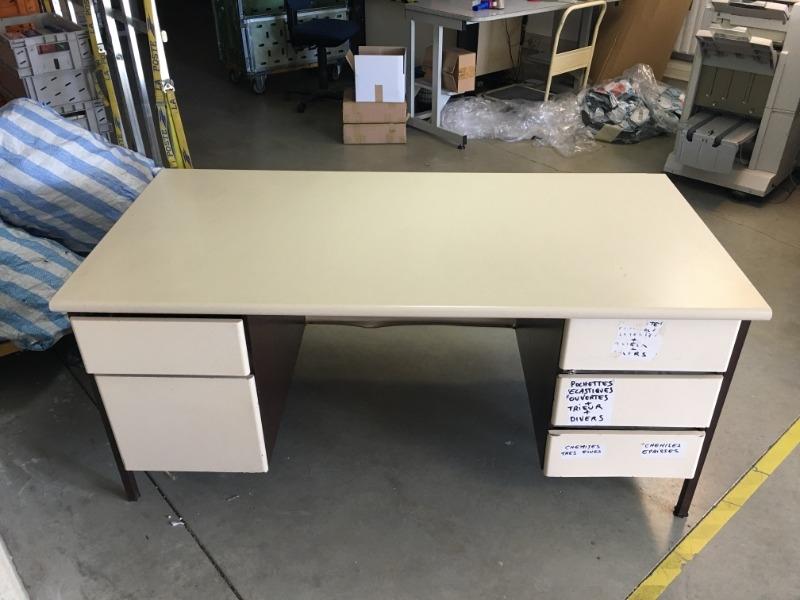 Recyclage, Récupe & Don d'objet : table et bureau métallique