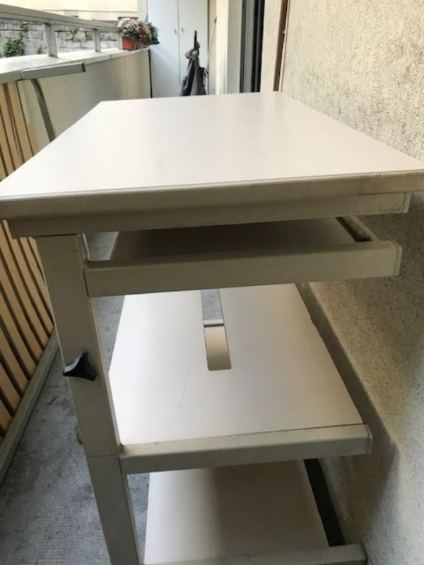 Recyclage, Récupe & Don d'objet : table informatique