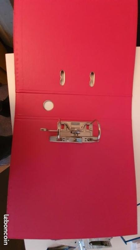 Recyclage, Récupe & Don d'objet : classeurs, lutins et pochettes en plastiques
