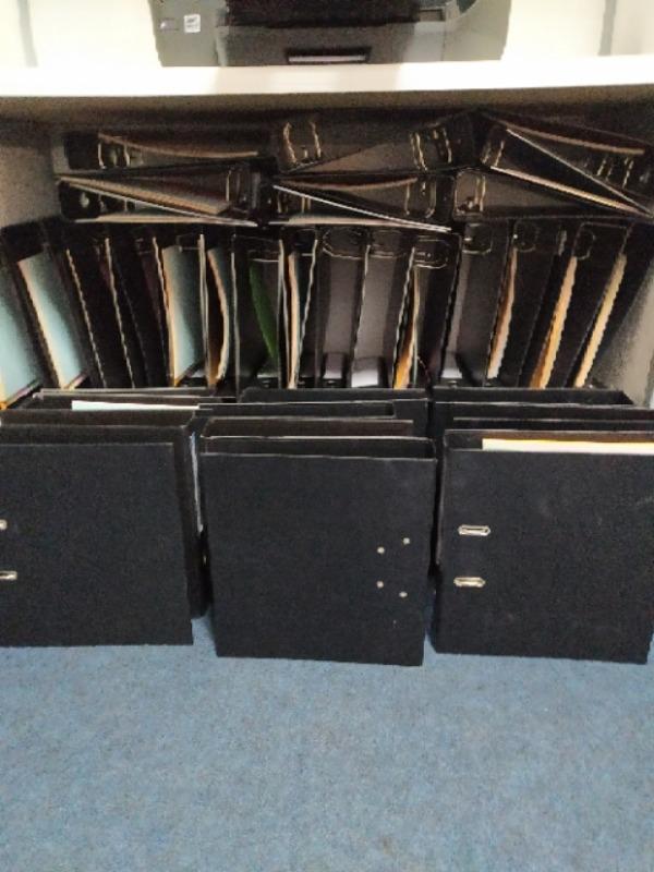 Recyclage, Récupe & Don d'objet : une cinquantaine de classeurs de bureau no...