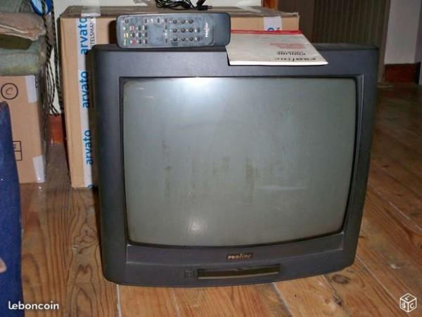Recyclage, Récupe & Don d'objet : téléviseur proline, 56 cm (en diagonale) .