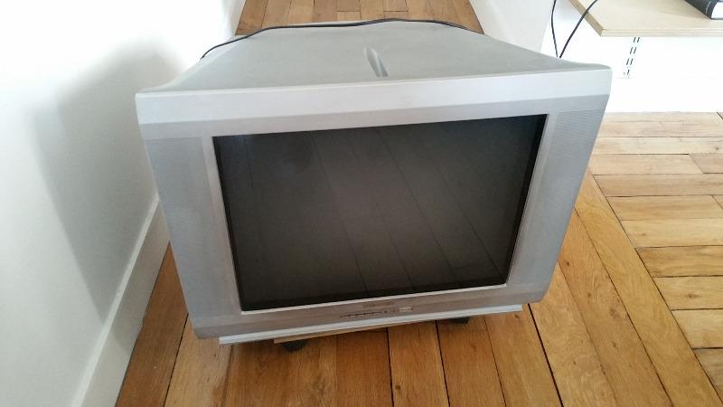 Recyclage, Récupe & Don d'objet : téléviseur thomson
