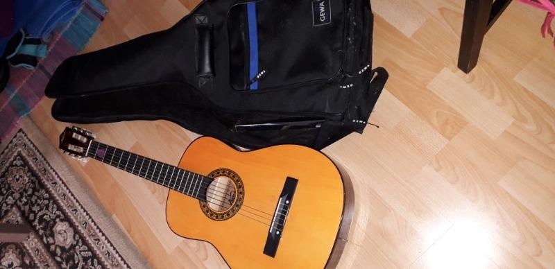 Recyclage, Récupe & Don d'objet : je donne une guitare et son étui
