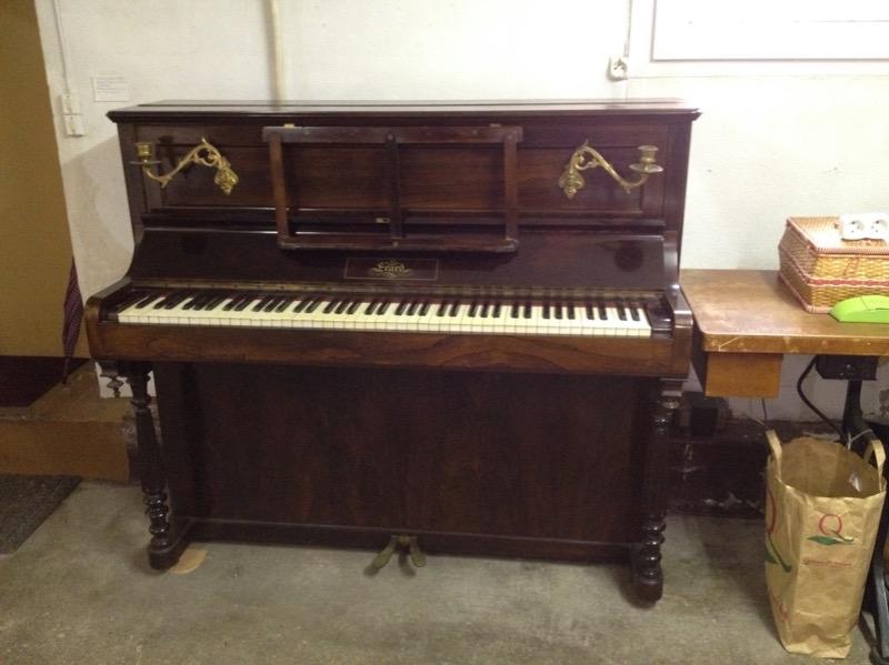 Recyclage, Récupe & Don d'objet : donne piano droit cadre bois erard 1870