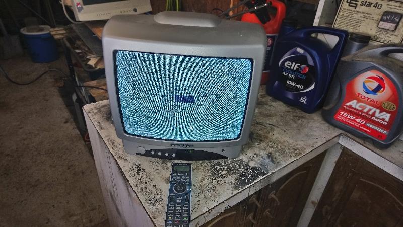 Recyclage, Récupe & Don d'objet : je donne une télé à tube cathodique.