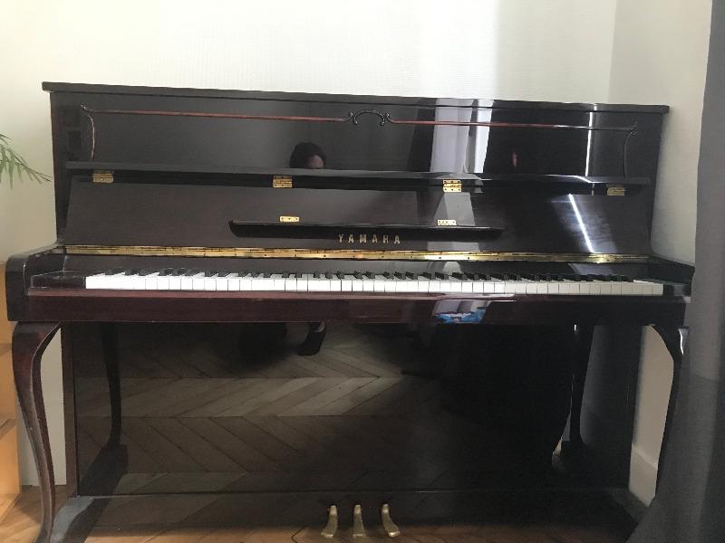 Recyclage, Récupe & Don d'objet : urgent:piano très bon état à saisir