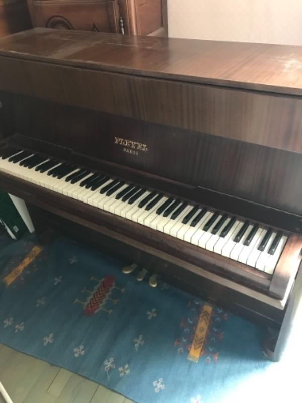 Recyclage, Récupe & Don d'objet : piano bois droit ancien