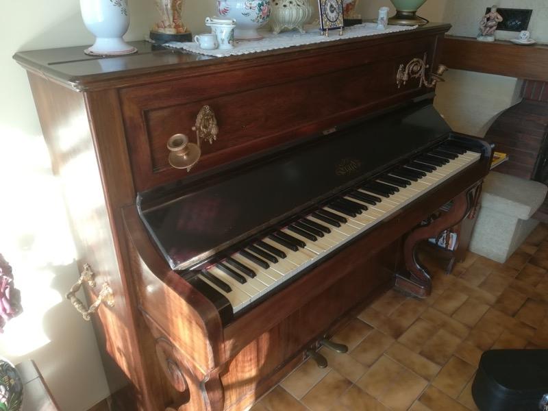 Recyclage, Récupe & Don d'objet : piano droit à restaurer