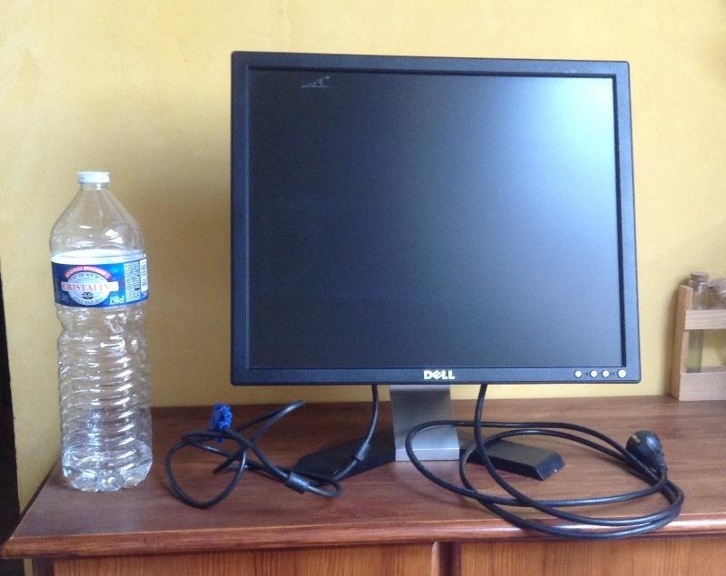 Recyclage, Récupe & Don d'objet : écran d'ordinateur 30x38cm dell