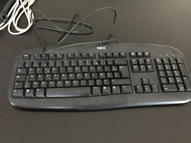 Recyclage, Récupe & Don d'objet : clavier d ordinateur nec