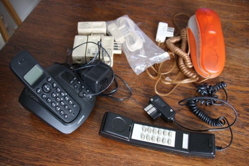 Recyclage, Récupe & Don d'objet : t?l?phones ancienne g?n?ration avec fil et...