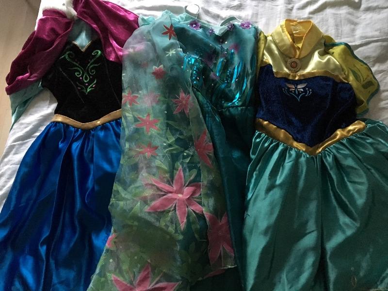 Recyclage, Récupe & Don d'objet : robes reine des neiges disney 9-12 ans
