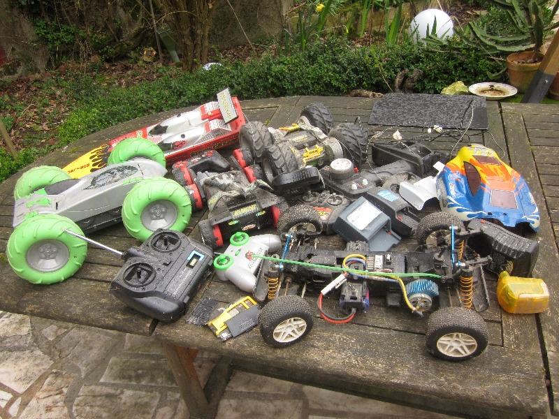 Recyclage, Récupe & Don d'objet : lot de maquettes télécommandées