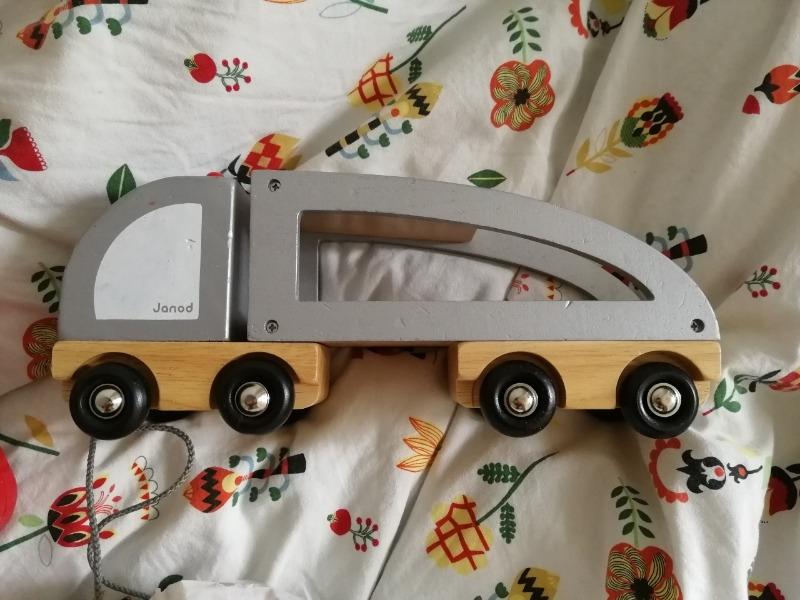 Recyclage, Récupe & Don d'objet : camion en bois