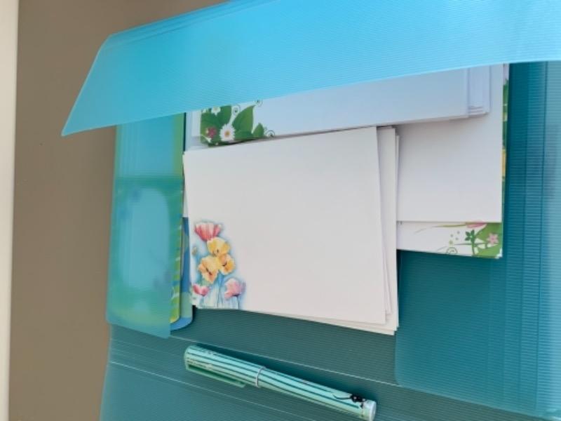 Recyclage, Récupe & Don d'objet : enveloppes et papier à lettre fille