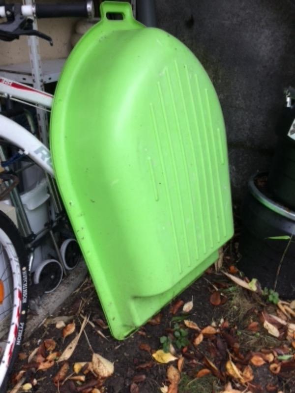 Recyclage, Récupe & Don d'objet : petit bassin bateau vert pour bébé x 2