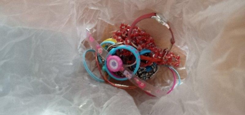 Recyclage, Récupe & Don d'objet : lot de bijoux enfant