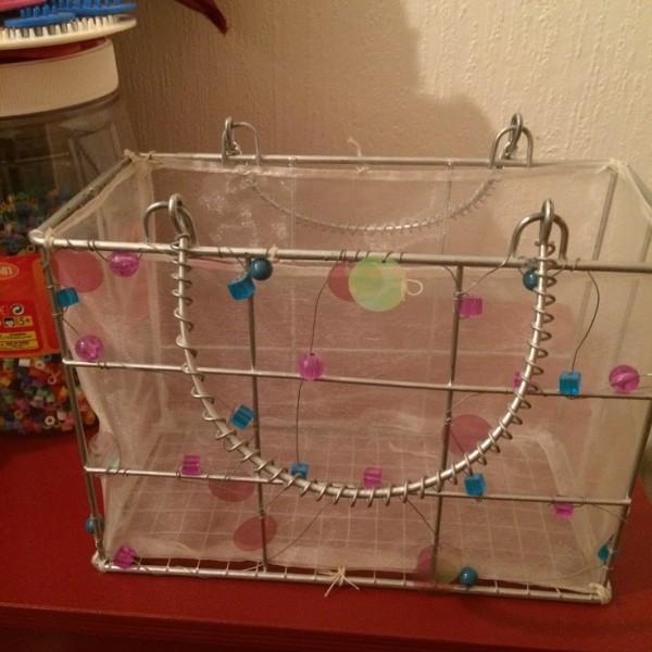Recyclage, Récupe & Don d'objet : petit panier déco métal tissu et perles