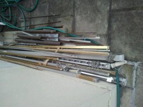 Recyclage, Récupe & Don d'objet : rails tringles à rideaux en acier chromé et doré