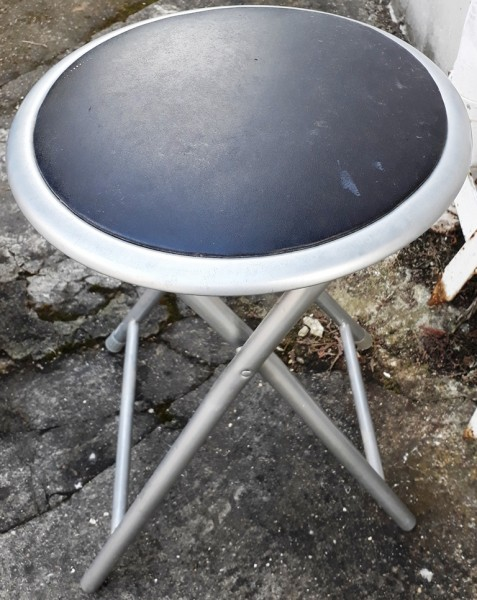Recyclage, Récupe & Don d'objet : tabouret pliant