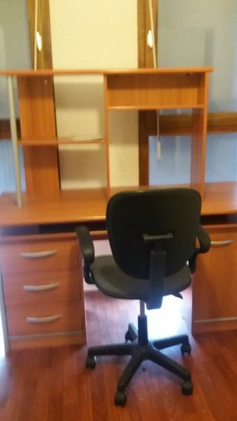 Recyclage, Récupe & Don d'objet : meuble de bureau marron clair
