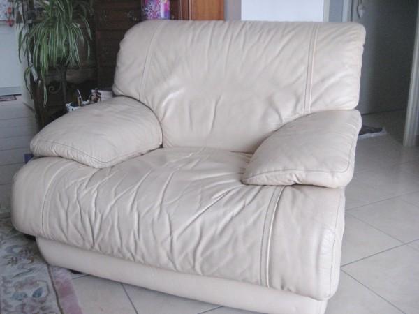 Recyclage, Récupe & Don d'objet : fauteuil en cuir beige