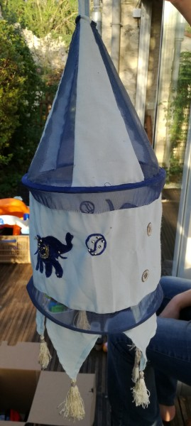 Recyclage, Récupe & Don d'objet : suspente en tissu pour luminaire