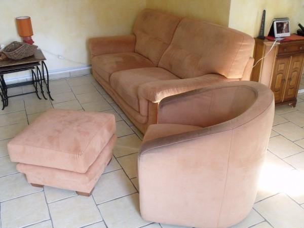 Recyclage, Récupe & Don d'objet : canape 3 places convertible + fauteuil + p...