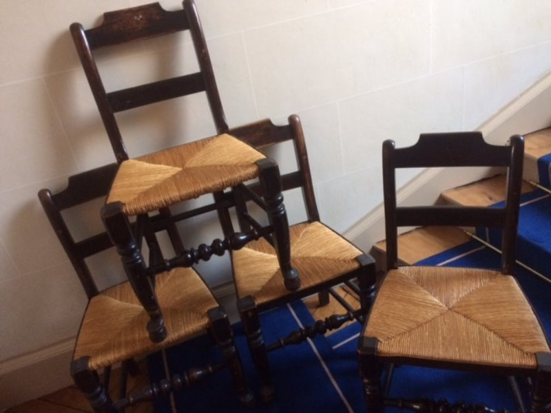 Recyclage, Récupe & Don d'objet : 4 chaises rustiques en paille