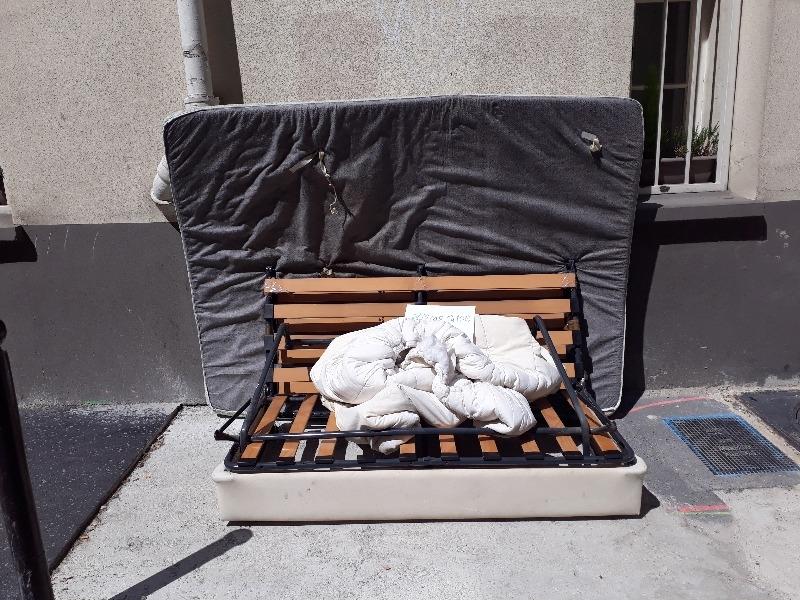 Recyclage, Récupe & Don d'objet : clic clac canapé