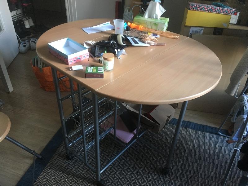 Recyclage, Récupe & Don d'objet : table + 4 sieges